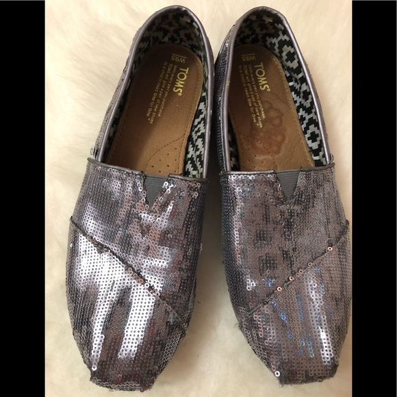 8636e0b010 TOMS Silver Sequin Sparkly Flats Size 91/2